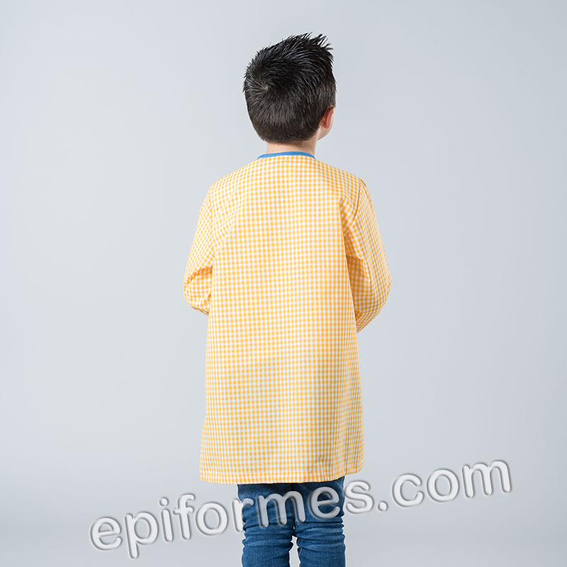 Baby infantil pocoyo en amarillo